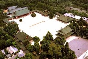 京都の観光スポット 平安神宮周辺を散策しよう!