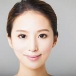 顔のゆがみを解消する3分エクササイズ