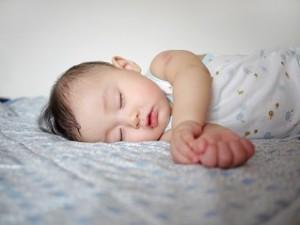 眠りが浅いとお悩みの方へ 原因と解消法