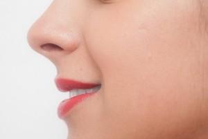 鼻水がのどに流れる 後鼻漏の原因と予防法