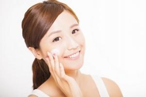 美肌作りの正しい化粧水の使い方