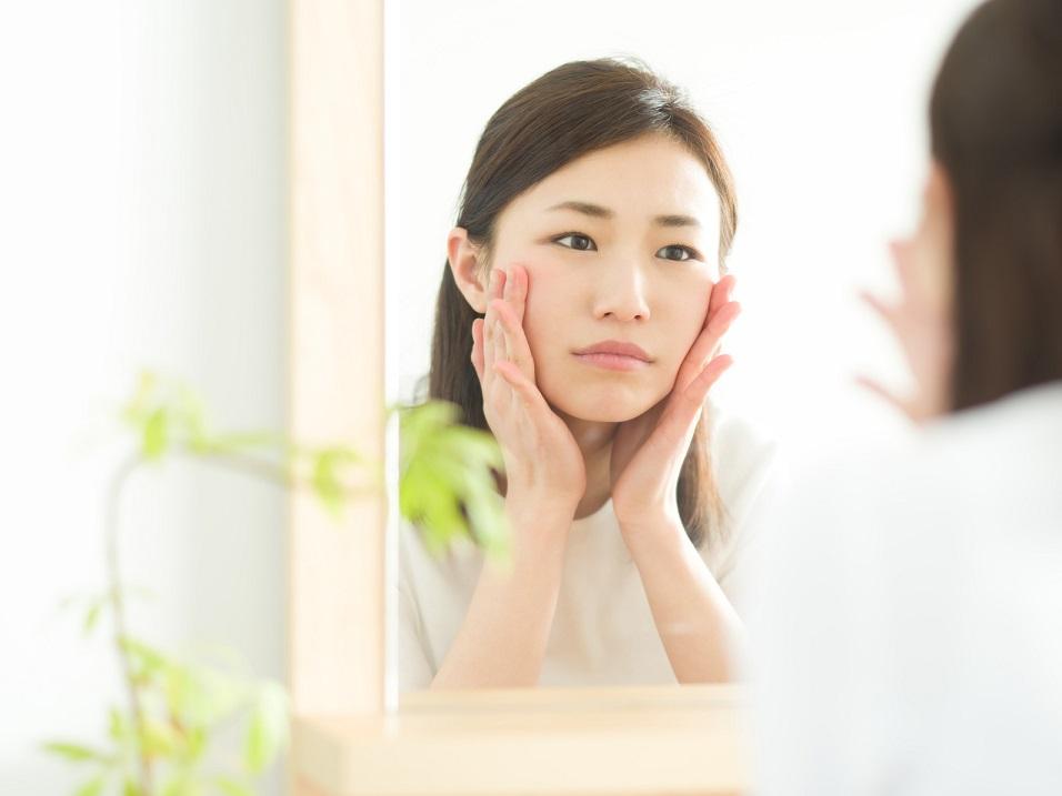 お通じの悪化は「肌荒れ」を引き起こす!便秘を解消する方法7つ