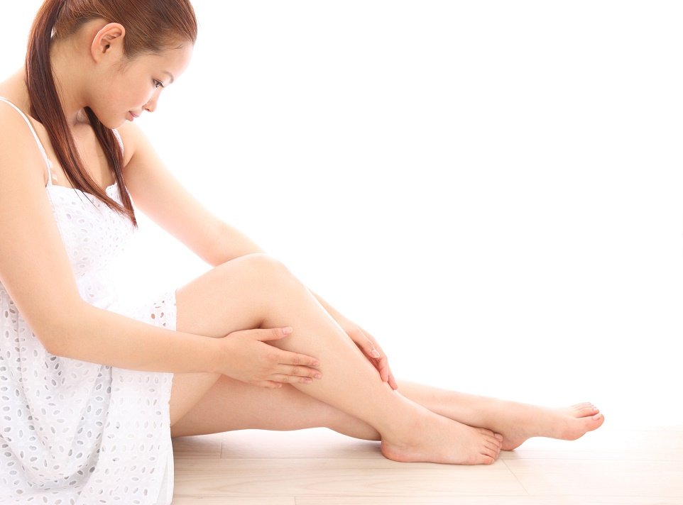 かかとの辛いひび割れが起こる2つの原因とセルフケアで治す方法