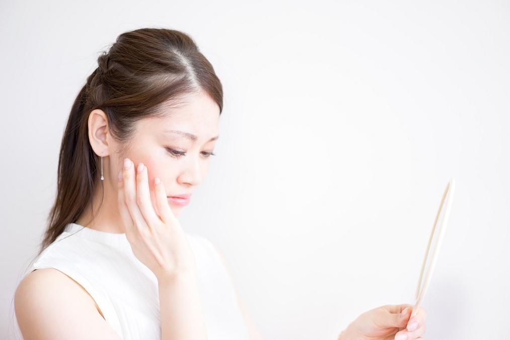 お肌のくすみは食べ物で治す!効果的な5つの栄養素とは?