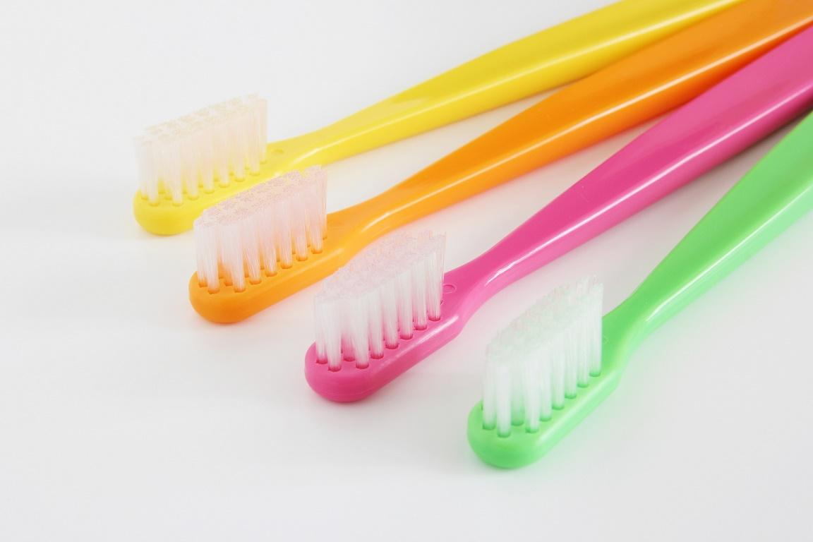【汚れとサヨナラ】自宅でできる歯を白くする10の方法
