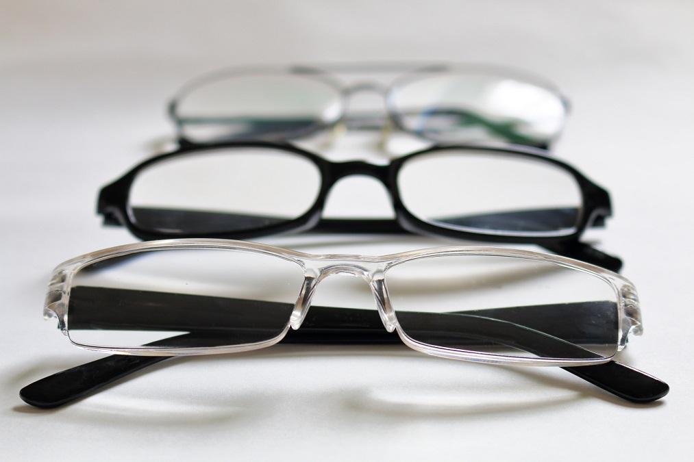 スマホ社会で急増中の「スマホ老眼」を予防する5つの方法